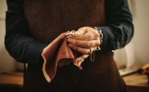 Ασημένια αντικείμενα - κοσμήματα: Έτσι θα τα φροντίσετε